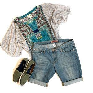 GAP Light wash jean shorts Sz 8